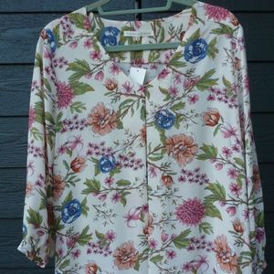 VIOLET AND CLAIRE FLORAL  BLOUSE LARGE NWT